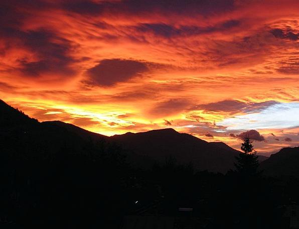 Afterglow Warmth Föhn Clouds Föhnstimmung Red Bloo