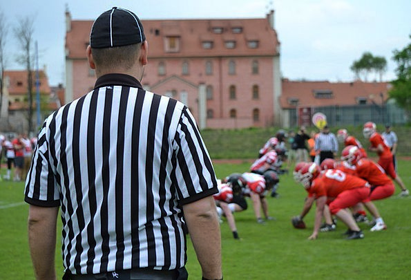 American Football Diversion Referee Arbitrator Spo