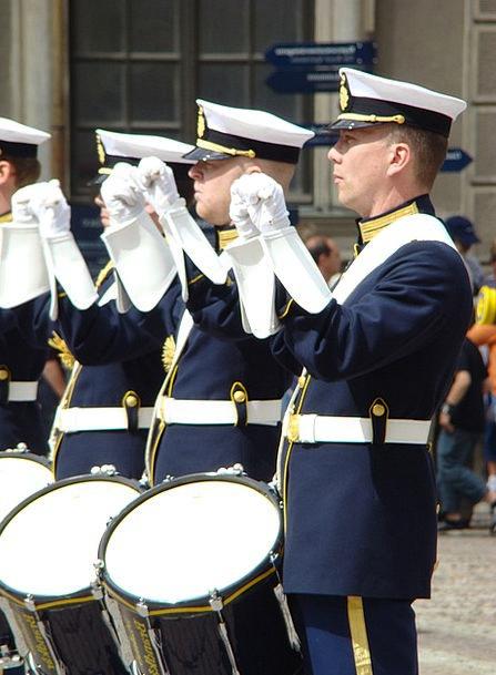 Drum Barrel Group Uniform Unchanging Band Music Me