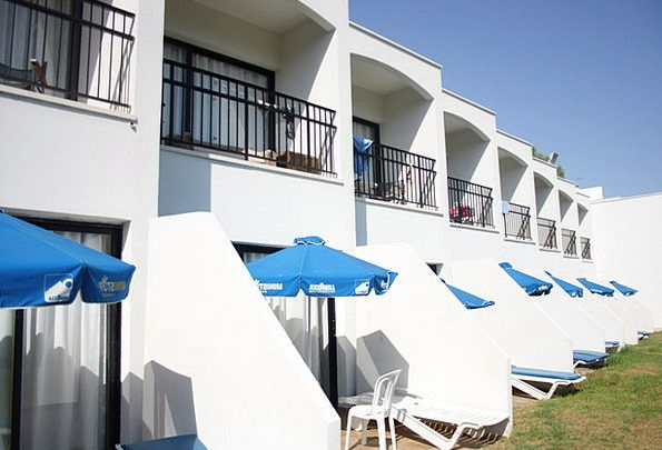 Hotel Guesthouse Vacation Straw-hat Travel Cyprus