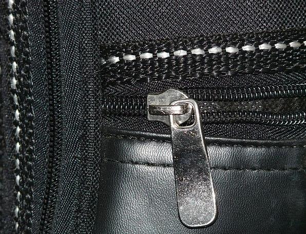 Zip Energy Near Closure End Close Leather Bag Bask