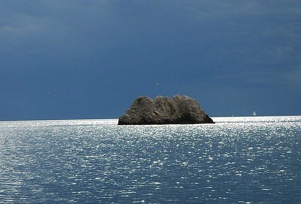 Sea Marine Isle Rock Island Island Gloomy Rock Pil