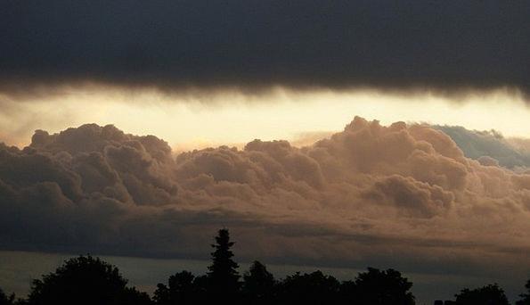 Abendstimmung Storm Cummulus Nimbus Thunderstorm C