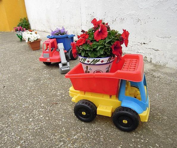 Toys Dolls Trailer Clip Toy Truck Plant Pot Flower