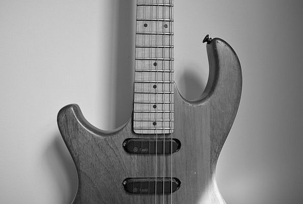 Music Melody Tool Guitar Instrument Old Guitar Str