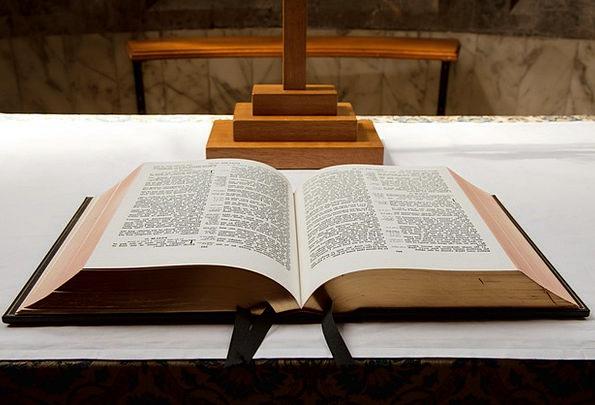 Bible Volume Catholic Wide-ranging Book Page Chris