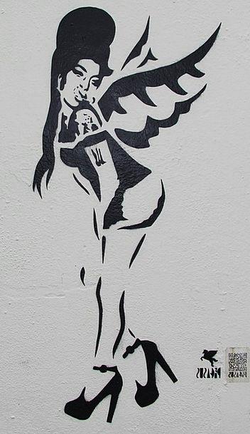 Amy Winehouse Drawings Camden Lock Graffiti Graphi