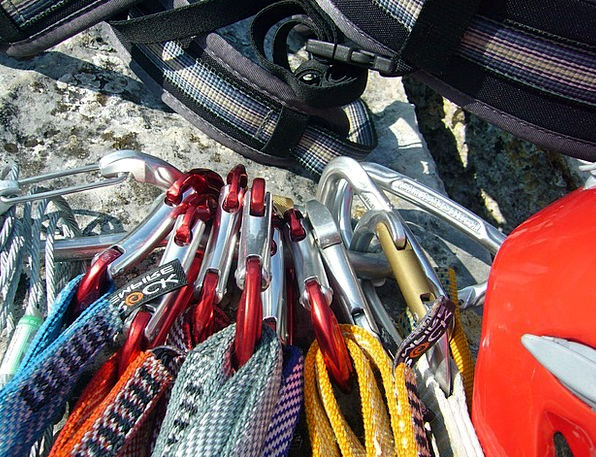 Climbing Uphill Pillar Rope Cord Rock Shoes Ropes
