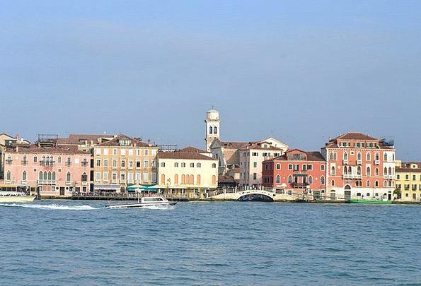 Venice Sea Marine Italy Houses Households Wharf Qu