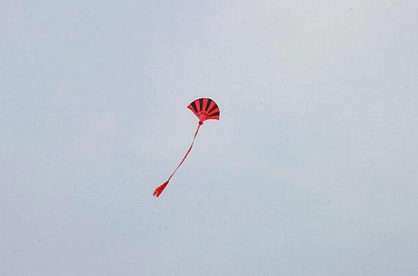 Kite Kite Tail Kiting Ascending Flying A Kite Asce