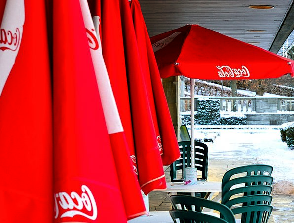 Coca Cola Sunshades Coke Restaurant Parasols Snow