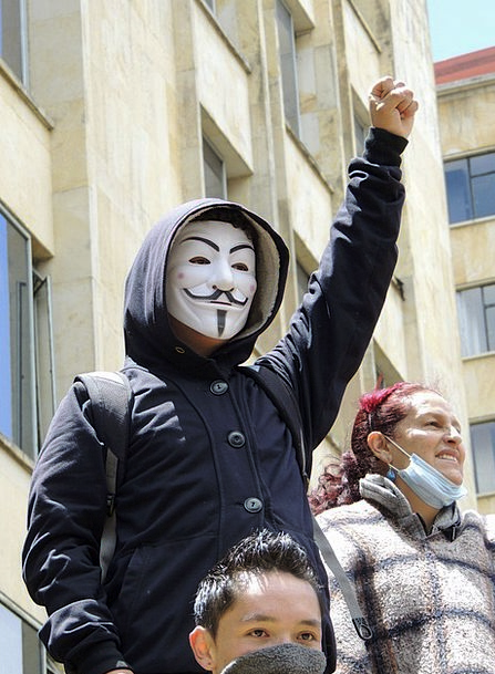 Anonymous Nameless Cover Bogotá Mask Protest Compl