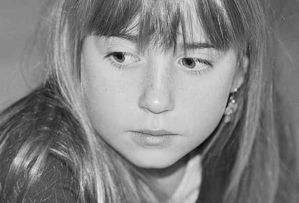 Child Youngster Lassie Face Expression Girl Direct