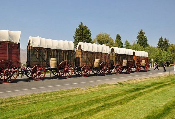 Wagons Carriages Traffic Transportation Old Wagon