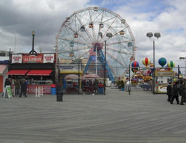 Ferris Wheel Wonder Wheel Board Walk People Amusem