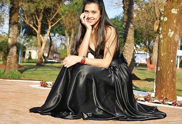 Black Dress Beam Prom Dress Smile Girl Fashion Sty