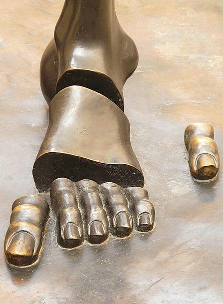 Foot Base Statue Figueres Sculpture Cut Dali Finge