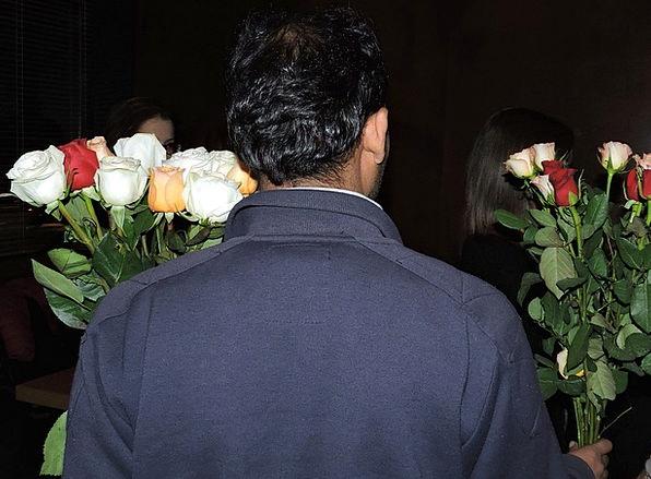 Rose Design Plants Sell Vend Flowers Man Gentleman