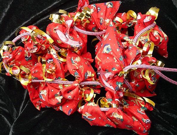 Advent Calendar Handouts Nicholas Gifts Bag Basket