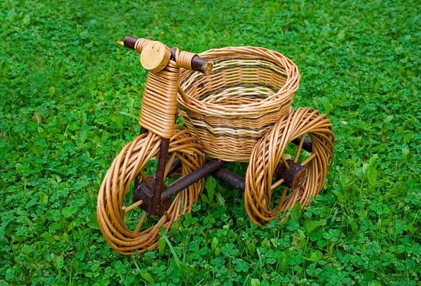 Wicker Cane Bag Bike Motorbike Basket Grass Lawn G