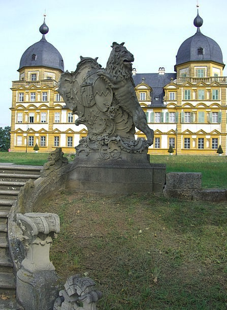 Schloss Seehof Park Common Memmelsdorf Lion Sculpt