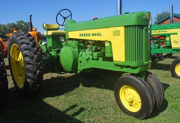 Tractor Farmhouse Equipment Gear Farm Agriculture