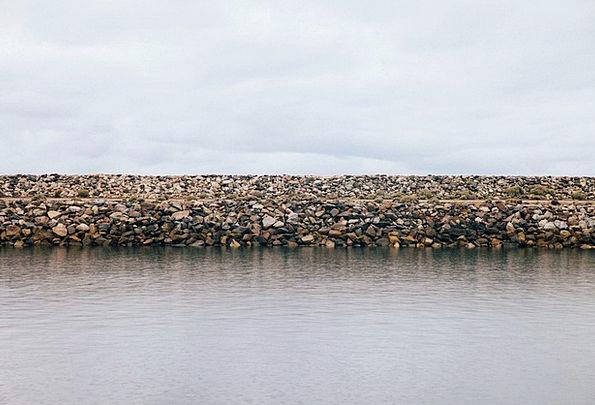 Lakeshore Bank Set Lakefront Water Aquatic River Q