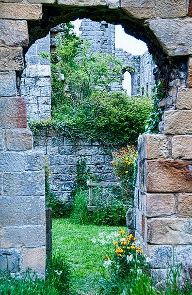 Abbey Cloister Wall Partition Riveaux Keyhole Hole