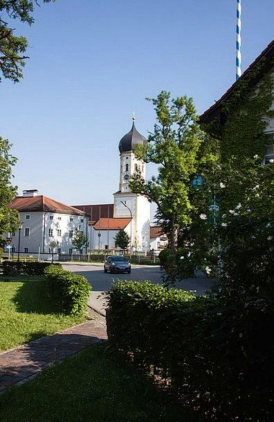 Village Community Church Ecclesiastical Local Tran
