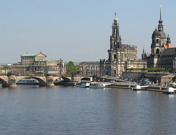 Dresden Buildings Urban Architecture Elbe City Pad