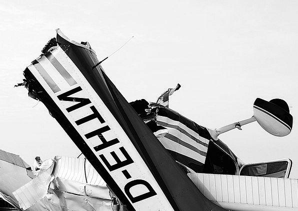 Wreck Crash Debris Aircraft Airplane Wreckage Plan