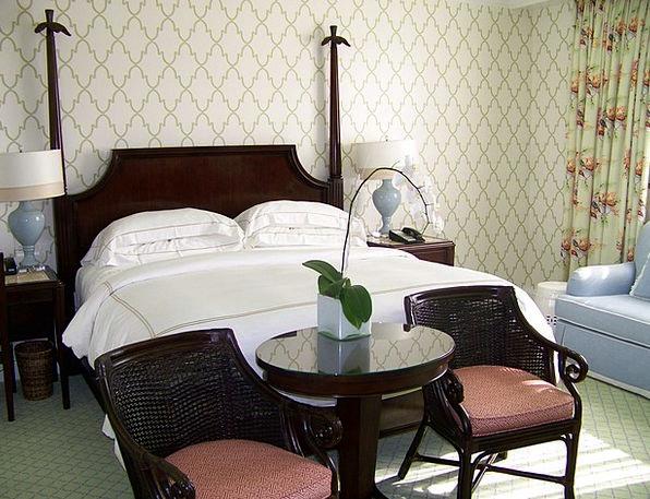 Bedroom Boudoir Divan Seeping Leaking Bed Hotel Re