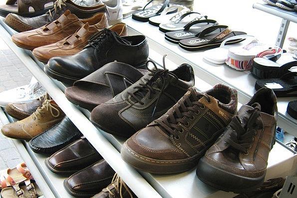 Shoes Ledge Display Show Shelf Presentation Perfor