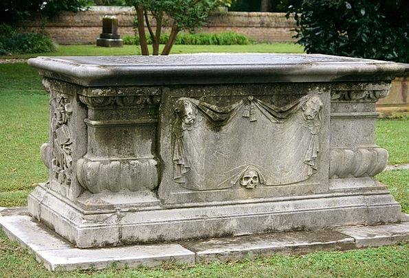 Sarcaphagus Box Tomb Catacomb Coffin Church Gravey