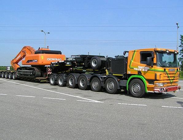 Scania Five Axes Low Loader Narrow Bed Hitachi