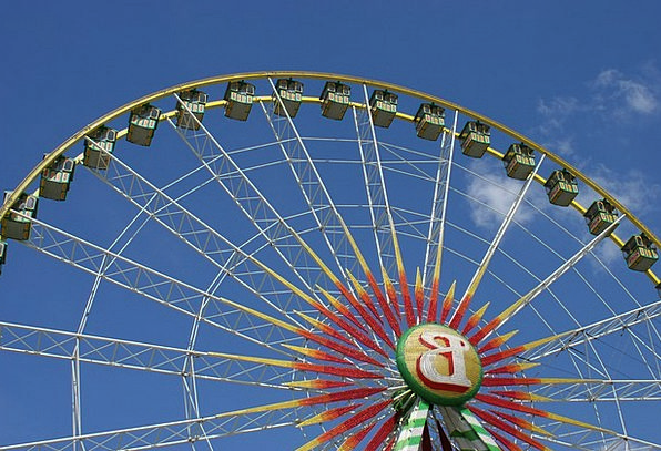 Ferris Wheel Reasonable Year Market Fair Sky Blue