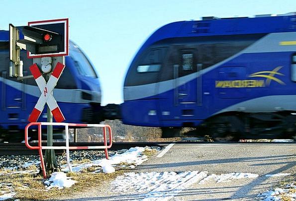 Train Pullman Traffic Railroad crossing Transporta