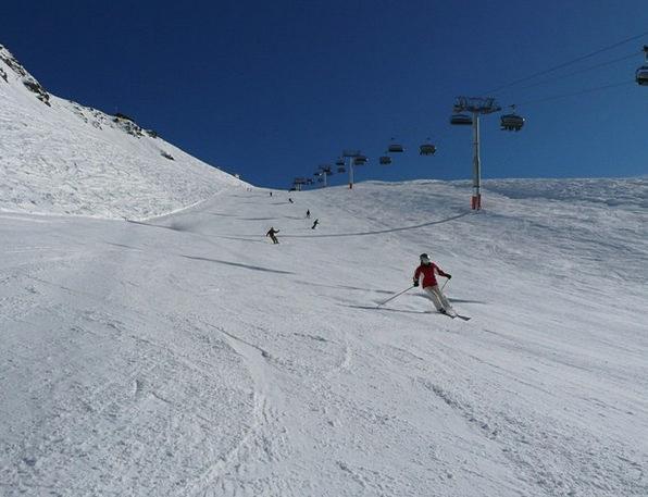 Skiing Skier Skiers Fun Runway Airstrip Cold Ski R