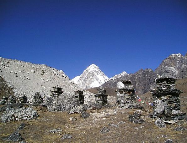 Nepal Everest Pumori Monuments Memorials Dankmal H