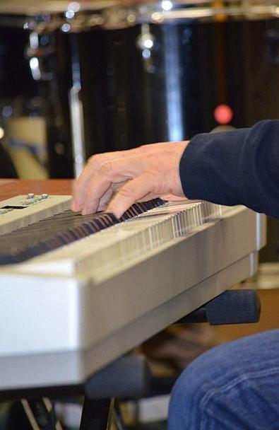 E-Piano Playing The Piano Piano Keyboard Console M