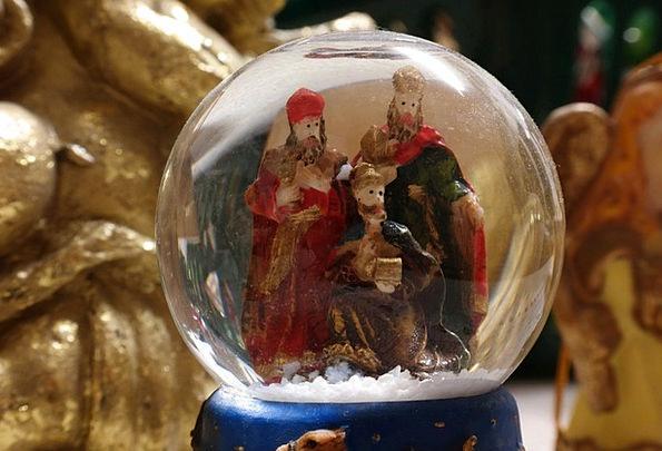 Snow Ball Holy Three Kings Christmas Holy Christma