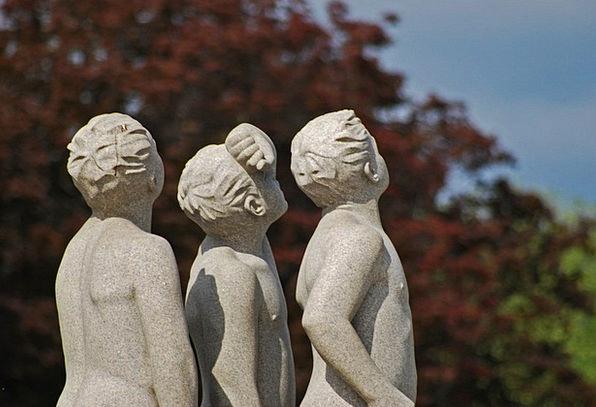 Oslo Statue Figurine Norway Scandinavia