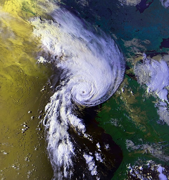Hurricane Bow 1991 Bob Atmosphere Cyclone Typhoon