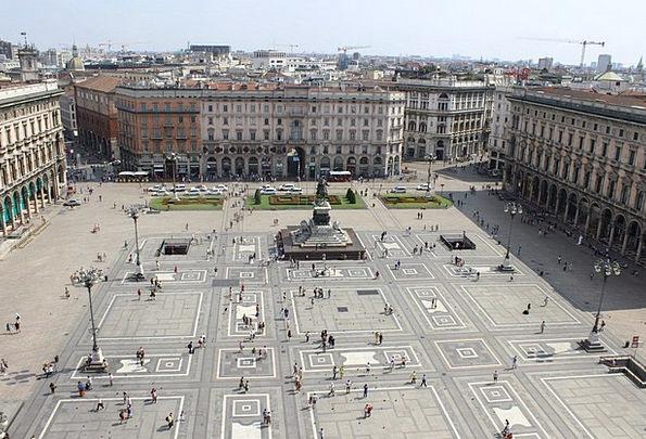 Milan Italy Piazza Duomo