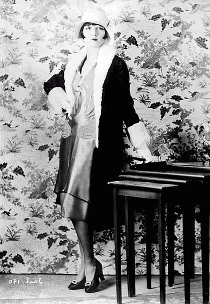Louise Brooks Fashion Beauty Female Feminine Ameri