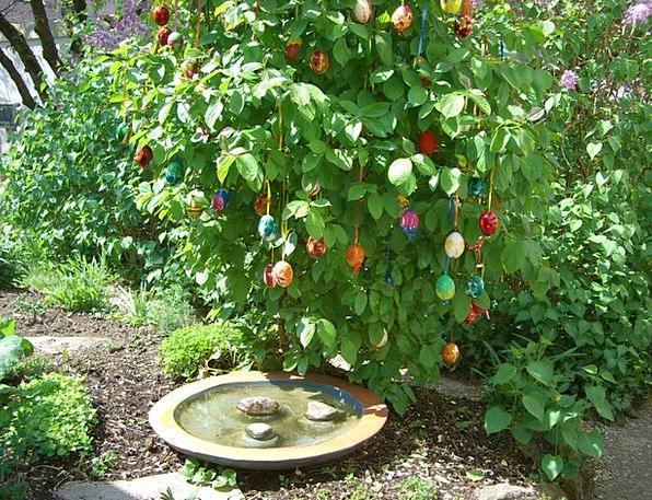 Easter Bush Ovum Colorful Interesting Egg Easter E