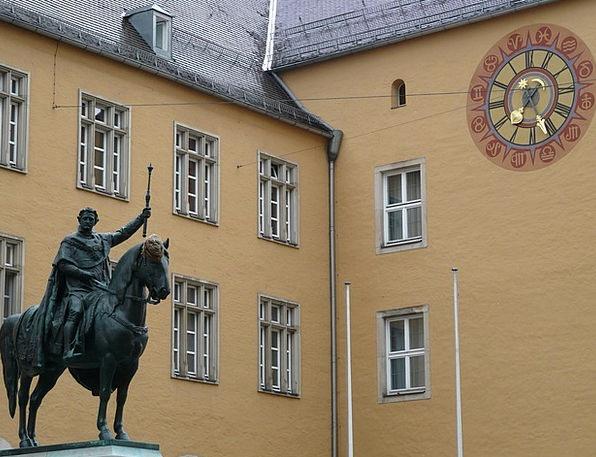 Equestrian Statue Buildings Architecture King Mona