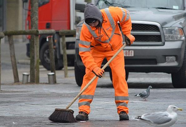 Orange Carroty Encounter Wagner Brush Cleaning Hou