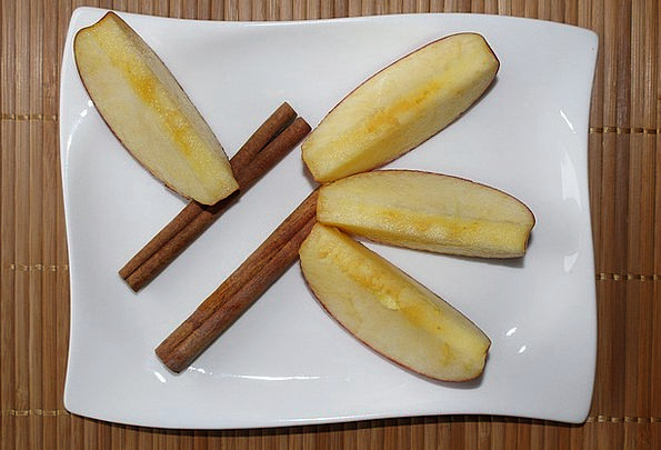 Apple Wedges Plate Bowl Apple Slices Cinnamon Deco