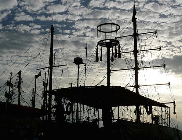 Schiffer Boat Harbor Boot Gumboot Port Ship Vessel